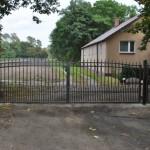 Dom-Bud - wykonanie ogrodzenia metalowego do domu
